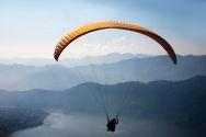 parachute doré.jpg